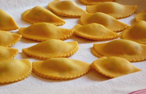 http://blog.cookitaly.com, ravioli, peas, prosciutto, recipe, italian